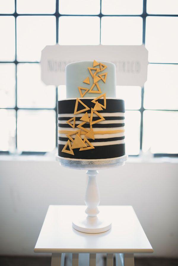 geometric wedding cake from the love affair http://weddingwonderland.it/2015/11/the-love-affair-matrimonio-geometrico.html