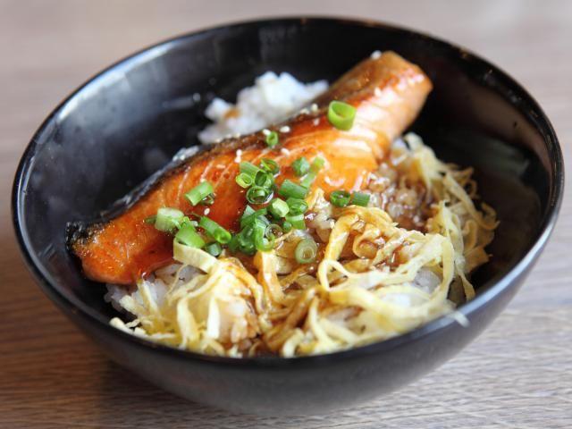 Wagamama-teriyaki-salmon-soba-noodles