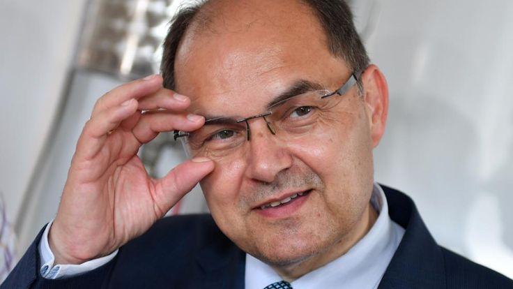 Landwirtschaftsminister Christian Schmidt (CSU) entschied Deutschlands Zustimmung im Glyphosat-Streit eigenmächtig. Dafür steht er nun erheblich unter Druck, die GroKo-Atmosphäre ist vergiftet