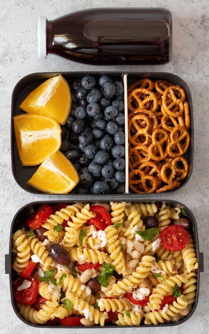 Schmackhafte vegane Mittagspause für die Schule, bei der Sie sich auf Ihre … …