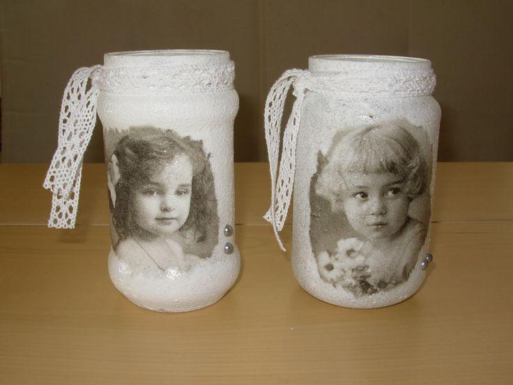 glazen potjes met gesso en servetten