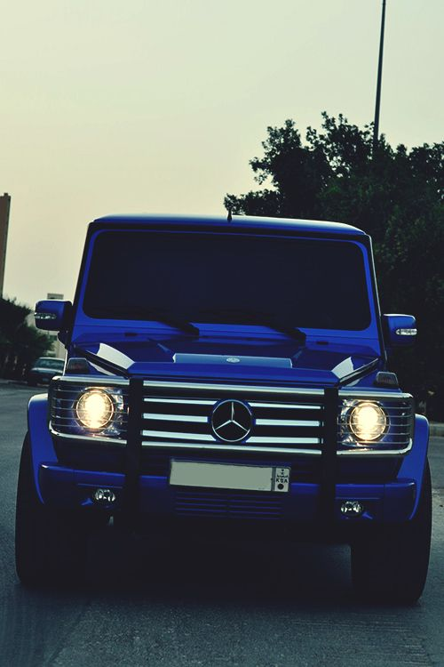 Love the blue on this #Mercedes Benz G-class