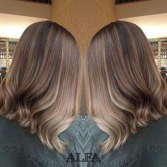 Красивый #шатуш Саши❤️ Стоимость работы на волосы средней длины - 3500₽, стоимость расхода материалов - 2000-3000₽, в зависимости от индивидуальных особенностей Ваших волос✔️ Девочки, не забываем что 2️⃣7️⃣, 2️⃣8️⃣ и 2️⃣9️⃣ апреля очень благоприятные дни для стрижекскорее к нам! #кератин #волосы #сомбре #сомбреспб #шатушспб #омбре #окрашиваниеволосспб #омбреспб #olaplex #ombre #shatush #ombrehair #wella #wellahair #брондирование #keratin  #ультразвуковоенаращиваниеволос #наращиваниеволосс...