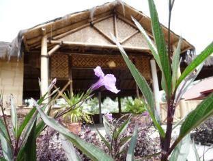 Promo Pondok Bamboo Sendangsari  Pondok Bamboo Sendangsari adalah Hotel bintang 1 yang terletak di Dusun Kalikuning, Desa Sendangsari, Kecamatan Garung, Wonosobo, Indonesia.  Bermalamlah di Pondok Bamboo Sendangsari untuk menemukan keajaiban dari Wonosobo. Menawarkan berbagai fasilitas dan layanan, hotel menyediakan semua yang... Kunjungi: http://wp.me/p1XKm2-IV untuk info lebih lanjut #Indonesia, #PondokBambooSendangsari, #Wonosobo