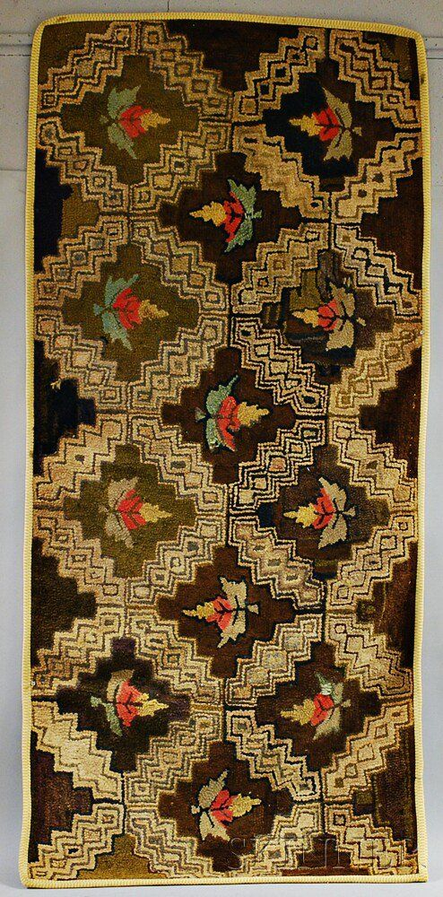 Geometric Hooked Rug Late 19th Early 20th Century Lg 68 Wd