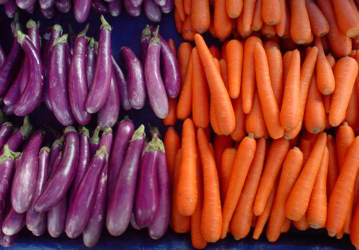 Овощи - хорошие продукты. Просто готовятся. Блюда из них могут быть очень вкусными и сытными. И, конечно же, овощи - это полезная еда.  Пусть их будет достаточно в вашем рационе.