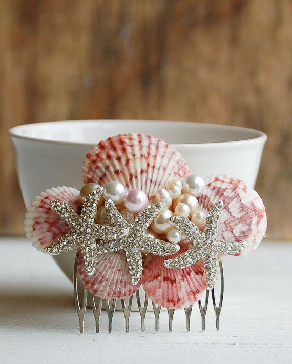 Bridal HAIR COMB Sea Shell Hair Accessory Beach por redtruckdesigns