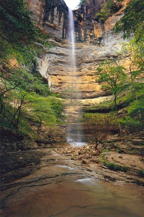 Hemmed-In Hollow Falls - Ponca, Arkansas. Arkansas' tallest waterfall located in the Buffalo National River area. Photo: Terry Fredrick.