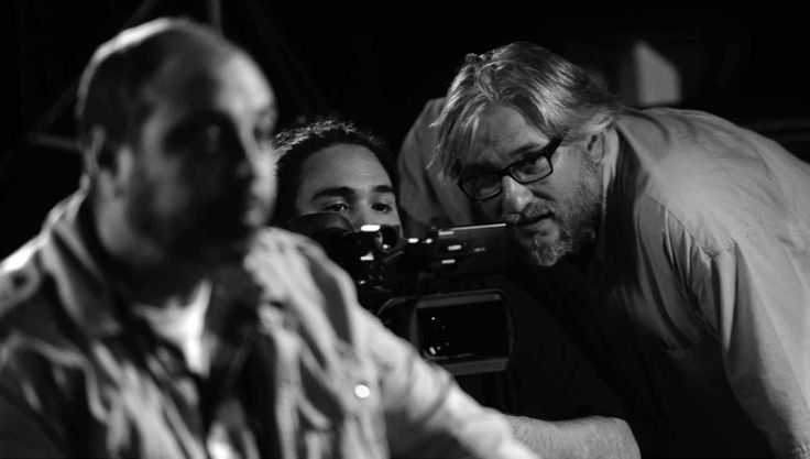 """Rodando una escena del documental """"Tras los pasos de El Hombre Bestia""""."""