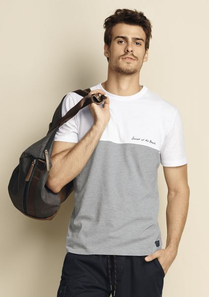 7ccd319c8 hering Camiseta Masculina Slim De Algodao Com Estampa - Camiseta Hering  confeccionada em malha 100%