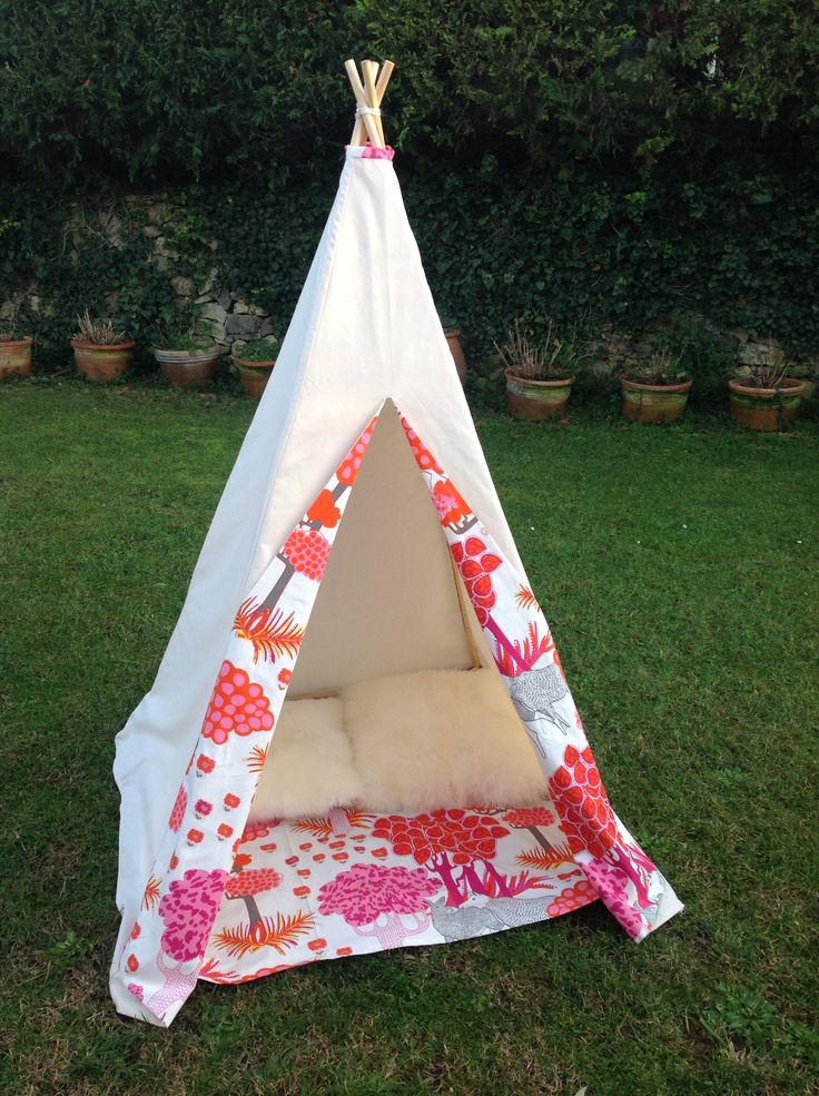 63 best images about tente on pinterest kid teepees and childrens teepee. Black Bedroom Furniture Sets. Home Design Ideas