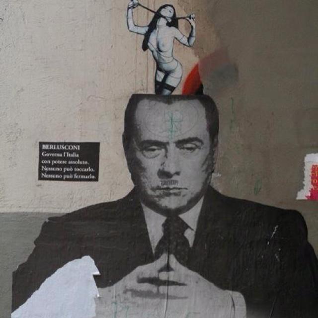 Berlusconi  - poder  iL CABALLIERI