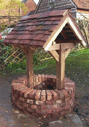 Reconstruction of a working garden well in Worcestershire