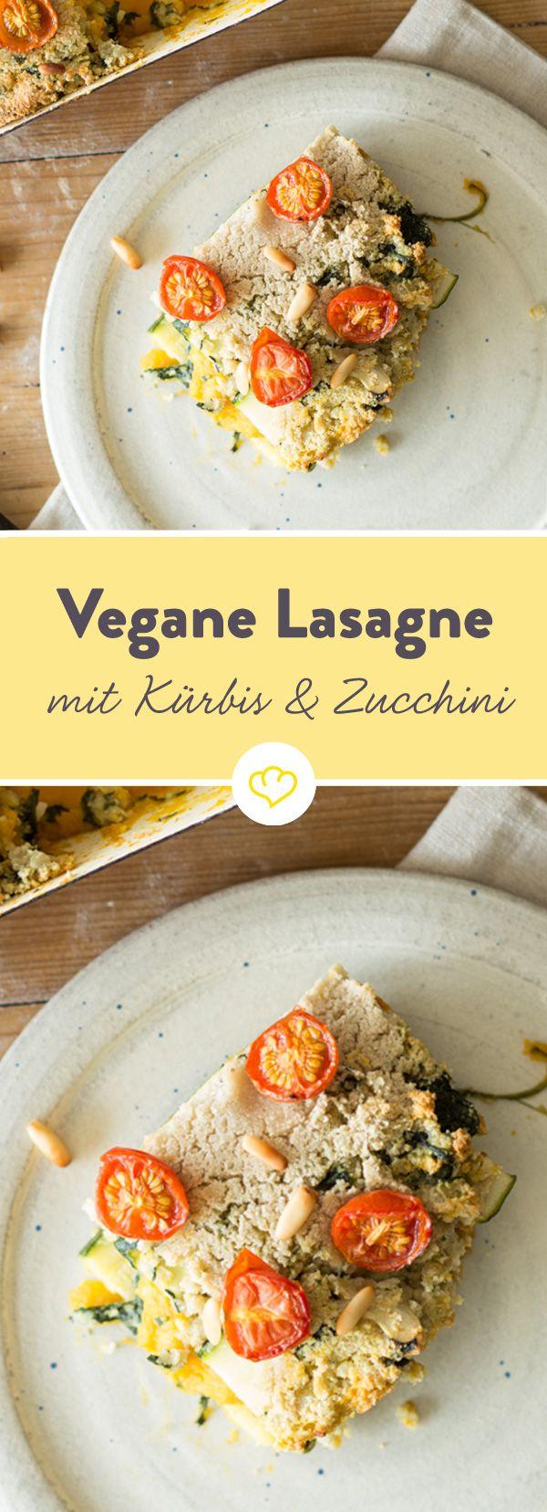 Unsere Kürbis-Zucchini-Lasagne ist vegan und glutenfrei, die leckere Spinat-Cashewcreme ersetzt Ricotta und Co.