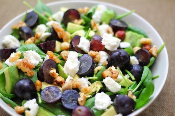 Sałatka z winogronami i mozzarellą