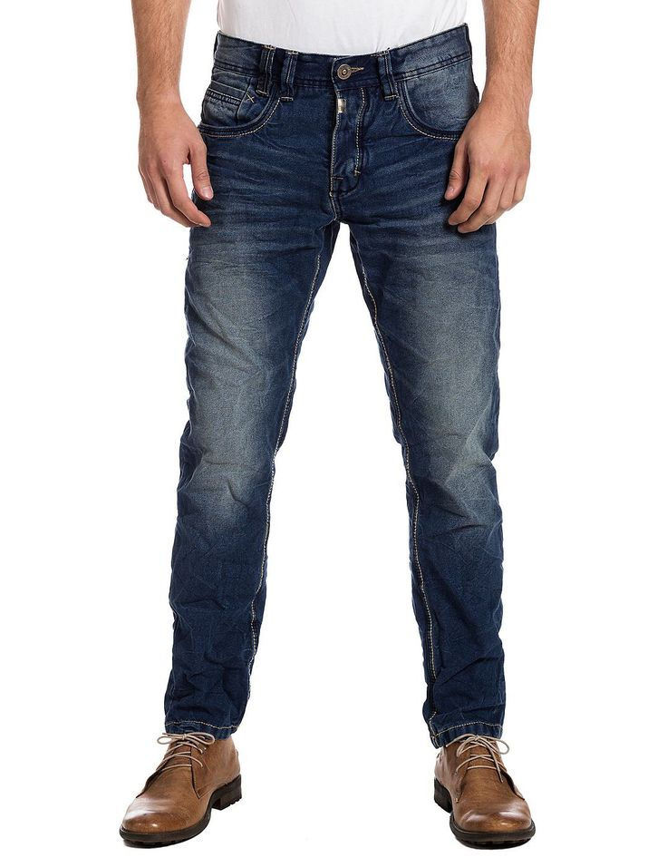 Herren regular fit Jeans mit schmalem Beinverlauf von TIMEZONE. TIMEZONE Herren Jeans regular fit, slim leg Herren Denim von TIMEZONE schmales Bein 5-pocket Modell mit modischer Raffinesse mit Metall-Knöpfen zum Schließen schmal geschnittenener Beinverlauf große hochwertig bestickte und geprägte Gesäßtaschen seitliche Eingriffstaschen Coinpocket vorne rechts enthält nichttextile Teile tierischen Ursprungs Baumwolle mit körnigen Griff dekorative zweifarbige Nähte, teilweise auffälliges…