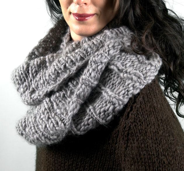 Americo Original / Mourning Dove Cowl - quick and easy on 10mm needles using our Copito Medio yarn!