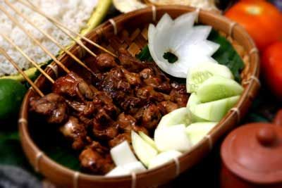 Foods of Nusantara: Delicious chicken satay which Padded