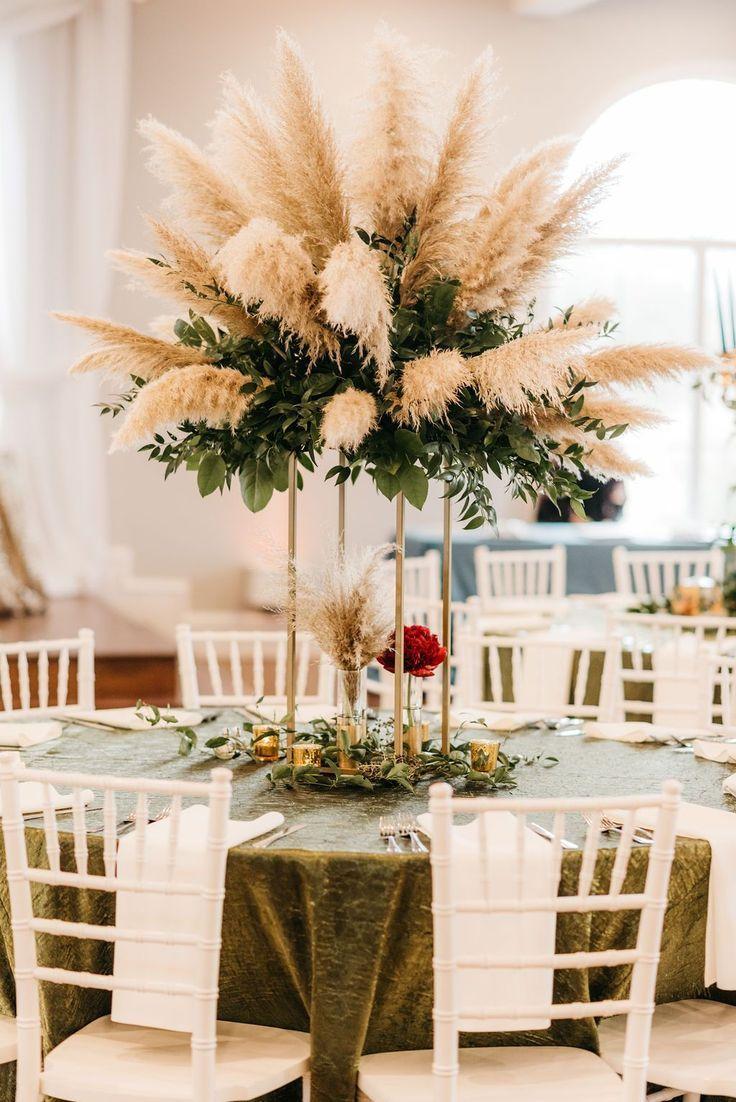 Pampas Grass Wedding Centerpiece #weddingcenterpieces #modernweddingcenterpiece #weddingtabledecor #weddingtableinspiration