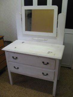 $80 VINTAGE WHITE DRESSER Distressed Style Solid Timber Mirror Text 0411691171 or email info@bitspencer.com