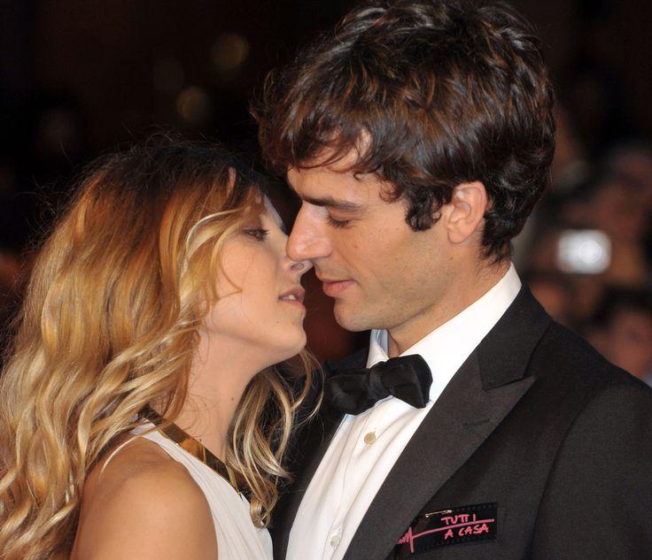 Poli opposti: Luca Argentero e Sarah Felberbaum insieme sul set  http://www.mistermovie.it/news-2/poli-opposti-luca-argentero-e-sarah-felberbaum-insieme-sul-set-39282/