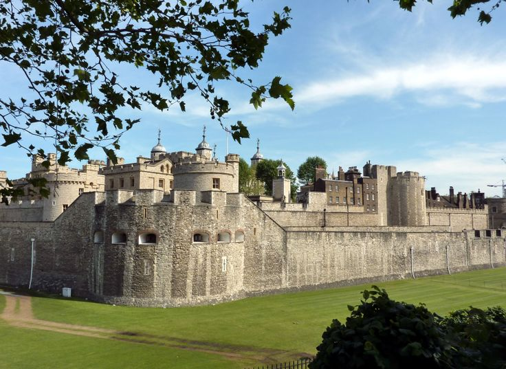 history of london with images | Tower-of-London.jpg