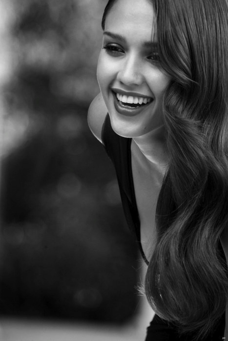 Jessica Alba #ShaBoomProducts #BeautiesinBlackandWhite http://www.shaboomproducts.com