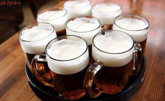 Podívejte se, jak vypadá správně načepované pivo