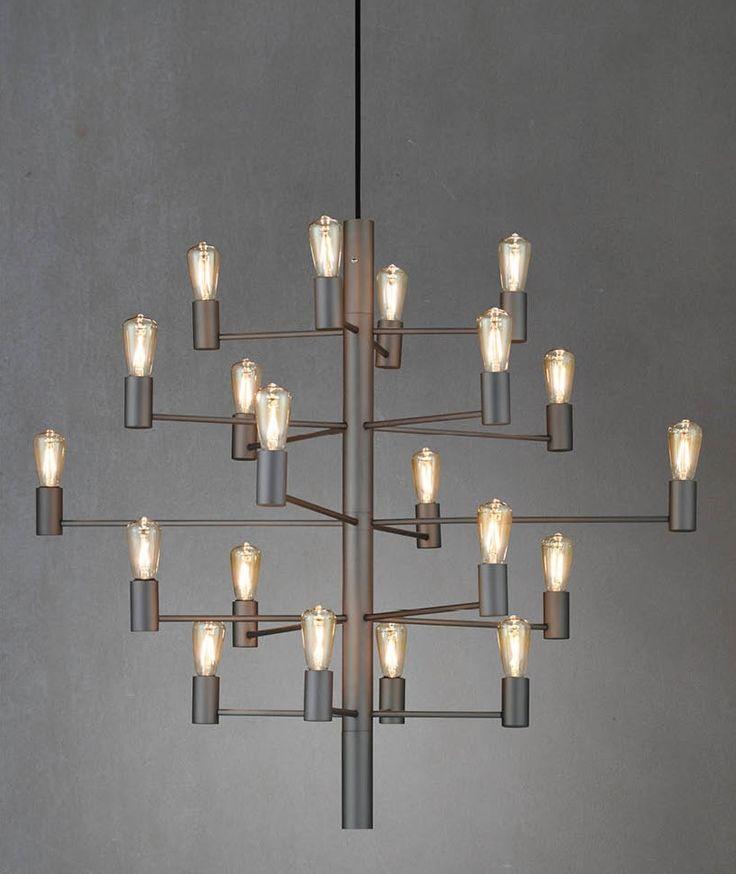 Manola takkrona i grafitgrå. Otroligt vacker taklampa med 20st lampor. Levereras UTAN ljuskällor. Sladdlängd 2,5m. Ifall du önskar att kunna dimma din lampa så kan du köpa till dimbara ljuskällor. OBS: Ljuskälla ingår ej.