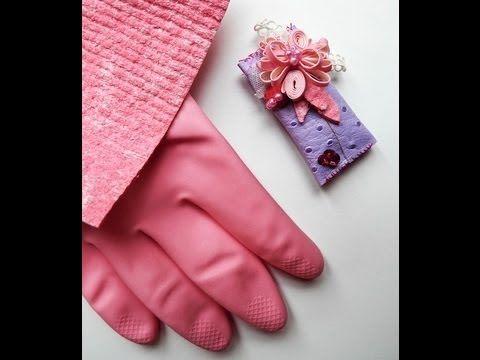 Come fare una spilla con guanti e spugne