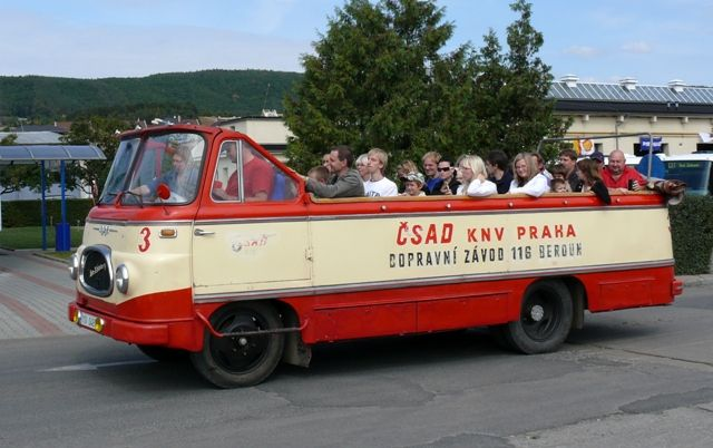 Lukášovo toulání - akce   Staré náklaďáky