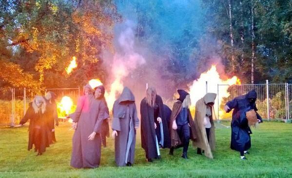 Ylen aidat kaatuivat zombielauman edessä. Tampereen Tohlopissa juhlittiin 29. elokuuta Mediapoliksen syntyä.