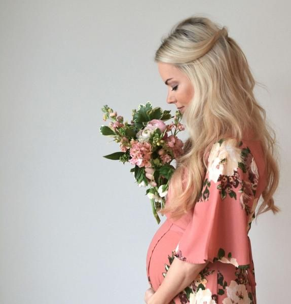 Maternity Fashion 2018 : Dahlia-Mauve floral maternity dress