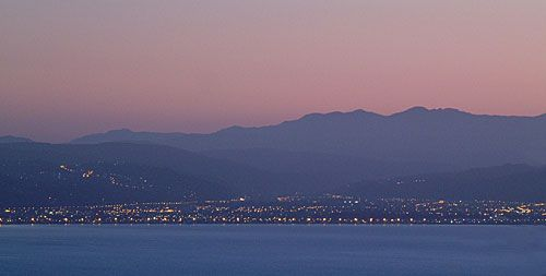 Hutt Valley from Wellington.     - Home.