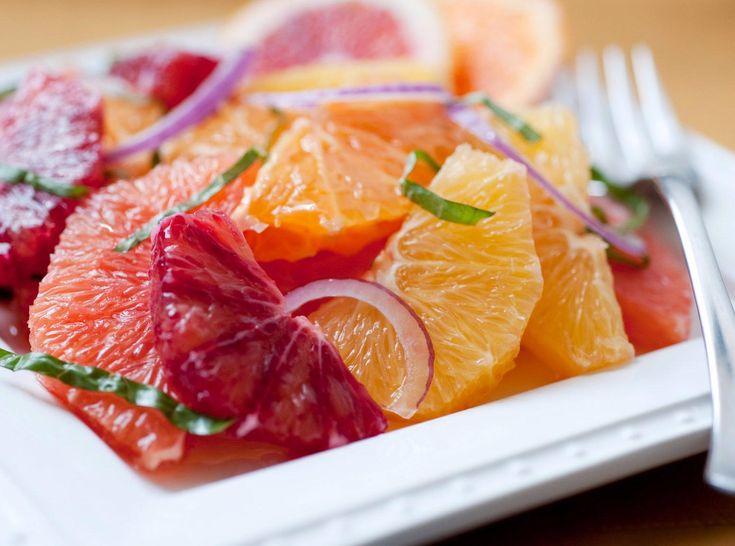 SOUND: http://www.ruspeach.com/en/news/13263/     Зимой салаты не менее важны для нашего организма, чем летом. Несмотря на то, что натуральных фруктов и овощей зимой мало, можно найти полезные зимние фрукты и овощи, богатые витаминами, микроэлементами и аминокислотами. Это такие овощи как свекла, тыква, пастернак, редька, лук, морковь и такие фрукты как цитрусовые, киви, гранат и бананы.    In winter salads aren't less important for our organism, than in summer. In spite of t