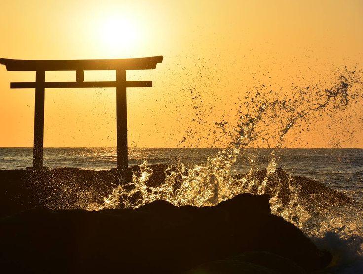 茨城県にある「大洗磯前神社(おおあらいいそさきじんじゃ)」。