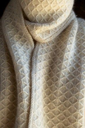 Knitting Quilted Lattice Stitch : Trellis, Scarfs and Purl bee on Pinterest