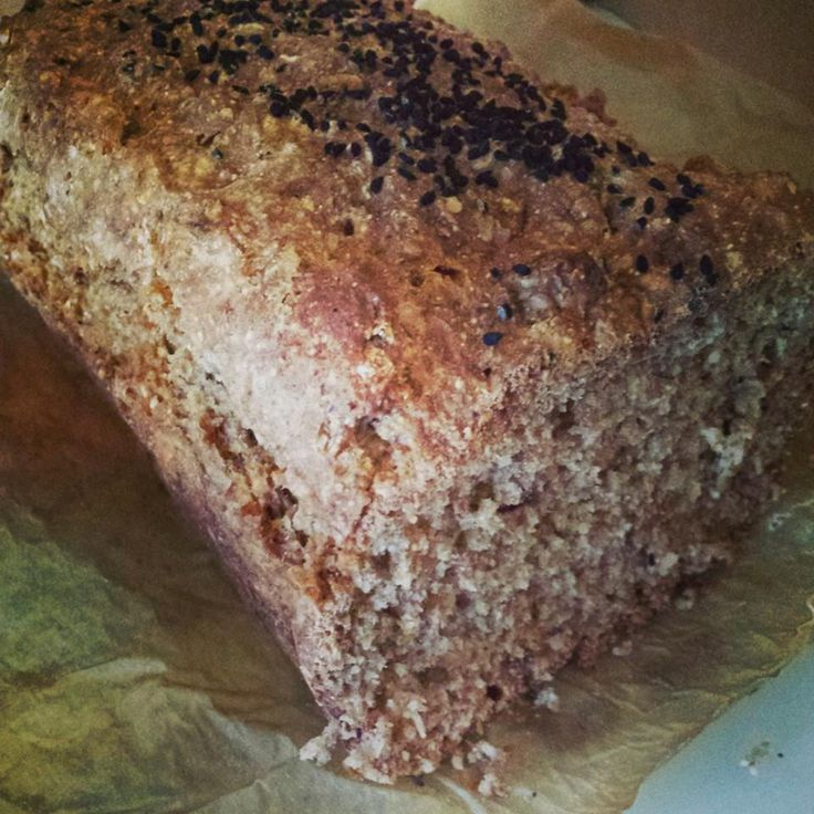 The easiest brown bread recipe you will ever make! Delicious, healthy and perfect for breakfast & lunchtime sandwiches.