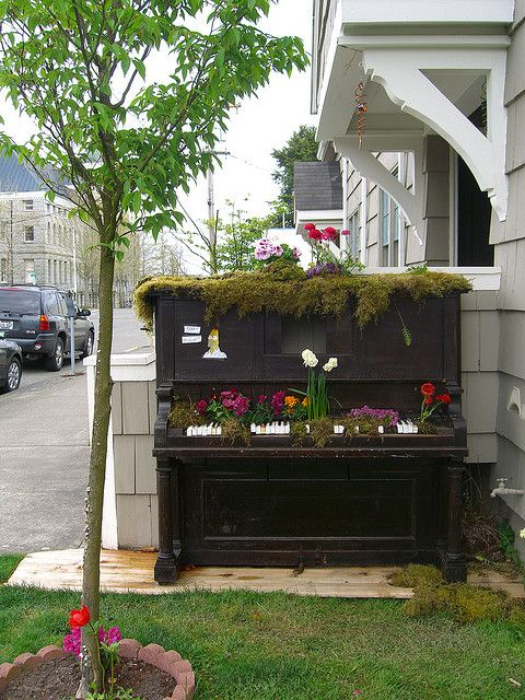 Flower Beds to Inspire Your Yard: Flowers Are the Music in Our Lives