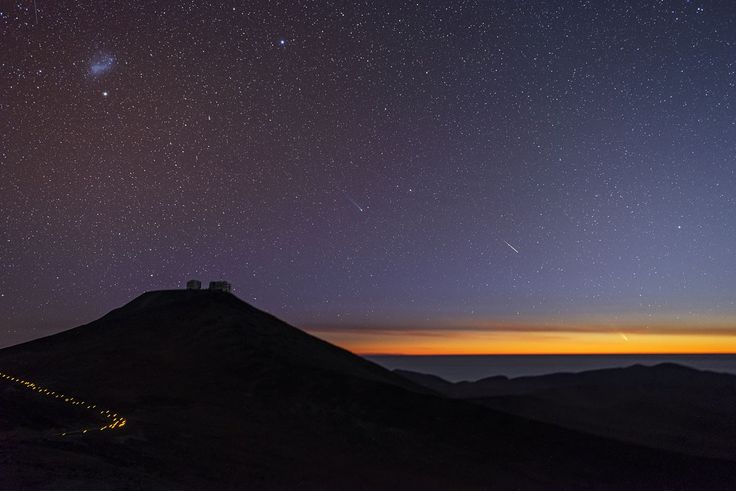 Comets and shooting stars dance over Paranal | ESO