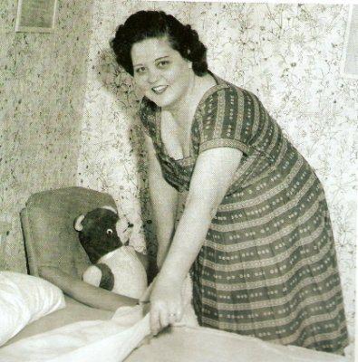 rare: Gladys making Elvis' bed
