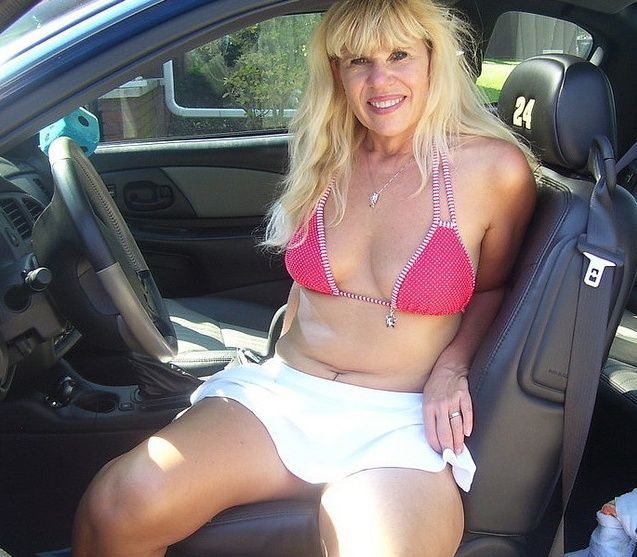 Cougar Dating With Toyboy In USA