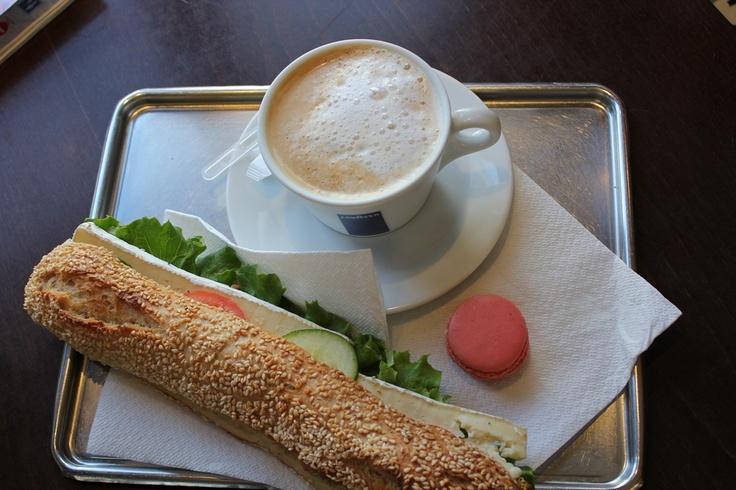 Le déjeuner