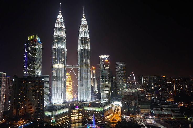 Kuala Lumpur - Twin Towers by Night