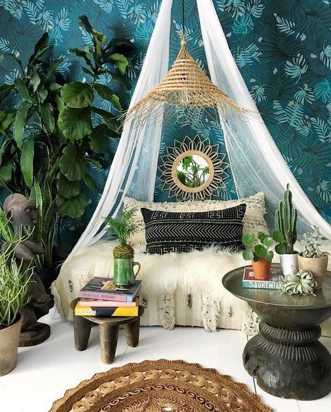 Nice 50 Amazing Bohemian Bedroom Decor Ideas https://homstuff.com/2017/06/21/50-amazing-bohemian-bedroom-decor-ideas/