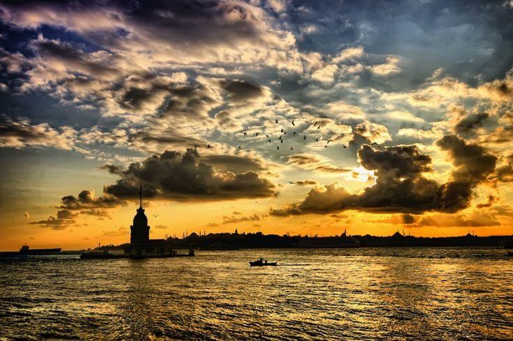 İstanbul sonbahar'da bir başka güzel değil mi? #elanhotelistanbul #istanbul #turkey #hotel #butikotel #taksim #beyoğlu