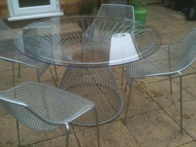 emu heaven table 4 chairs by jean marie massaud for sale in brentwood brentwood essexgarden - Garden Furniture Essex