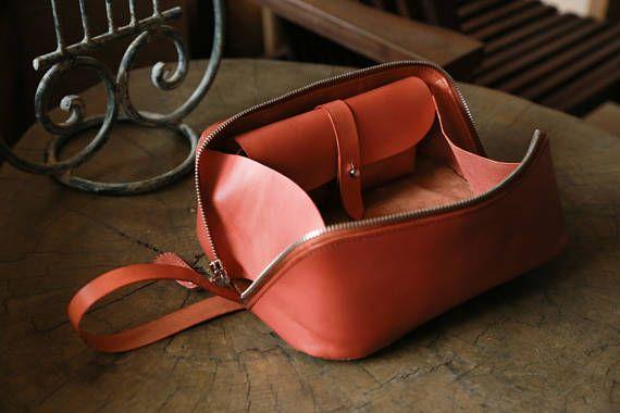 Toiletry Bag, Traveller Dopp Kit, Handmade Vegetable Tanned Leather Cosmetic Case – Amie Lin