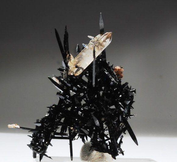 Black Aegerine with Quartz and Zircon