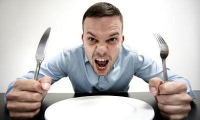 UICA MIHAI: Foamea de la miezul nopţii